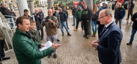 Protest van boeren in Apeldoorn haalt niets uit