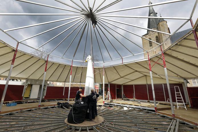 Concert Carnavalesk in Schijndel heeft plaats in de spiegeltent op de Markt.