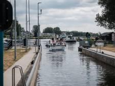 Sluis Doesburg op slot voor schepen van 55 meter of langer