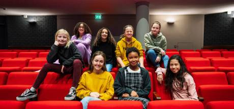 Deze jonge woordkunstenaars maken kans op de titel  jeugdstadsdichter van Rotterdam