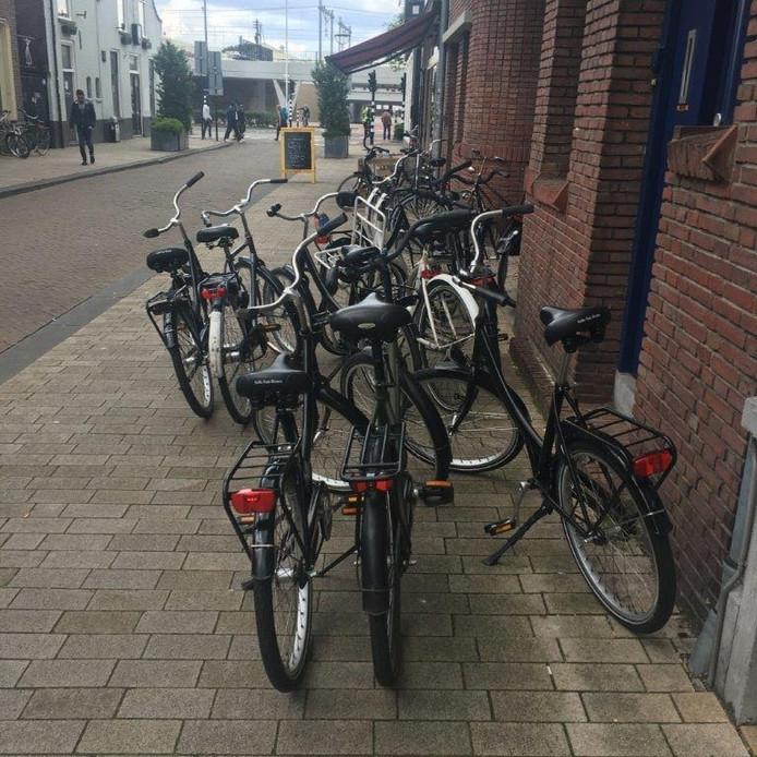 Fietsenoverlast in de Willem II-straat.