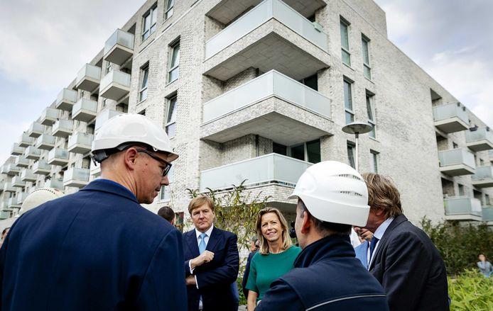 Minister Kajsa Ollongren (Binnenlandse Zaken) bracht eind vorig jaar samen met Koning Willem-Alexander een bezoek aan de in aanbouw zijnde compacte wijk Veemarkt.