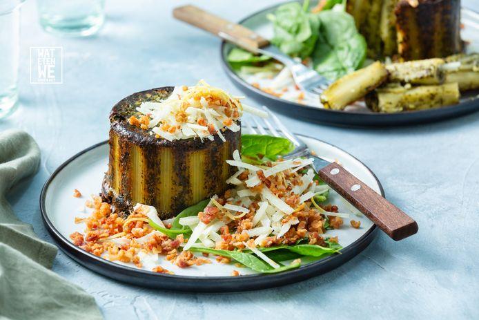 Ovenpasta met spinaziebechamel, pancetta en pecorino