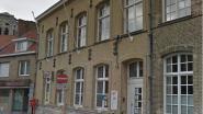 Vrouw (25) krijgt psychose en slaat ramen van postkantoor aan diggelen