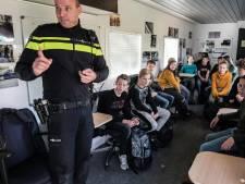 Brugklassers in Aalten luisteren ademloos naar les over sexting