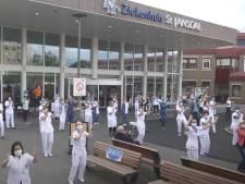 Personeel St. Jansdal in Harderwijk danst de Jerusalema met Ghanese collega's: 'Best emotioneel'