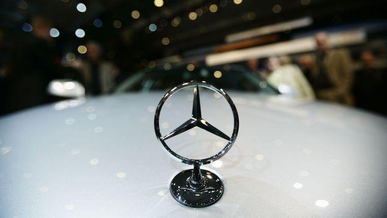 """Daimler aast op aandeel in Chinese partner""   Auto   HLN Aandeel Daimler"