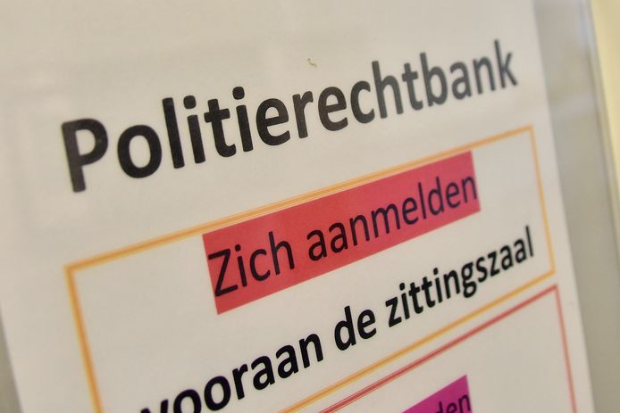 De man moest zich verantwoorden in de politierechtbank in Kortrijk.