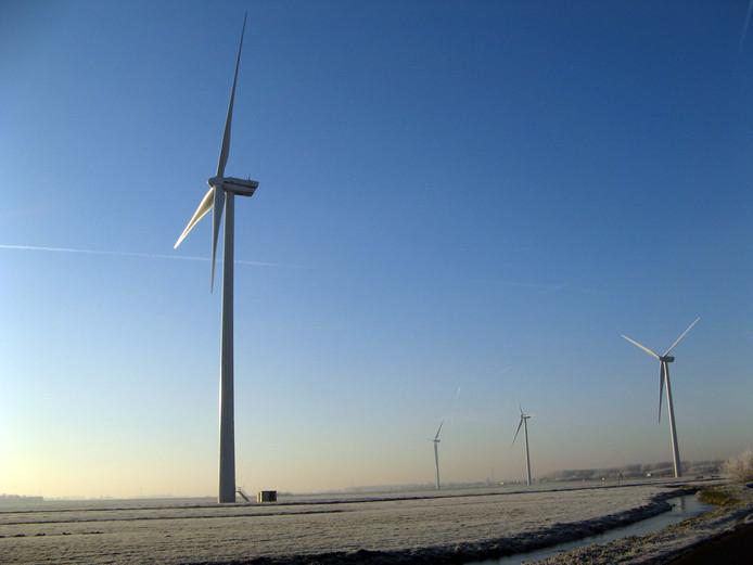 Windmolens langs de N11.  FOTO MARJA, ALPHEN