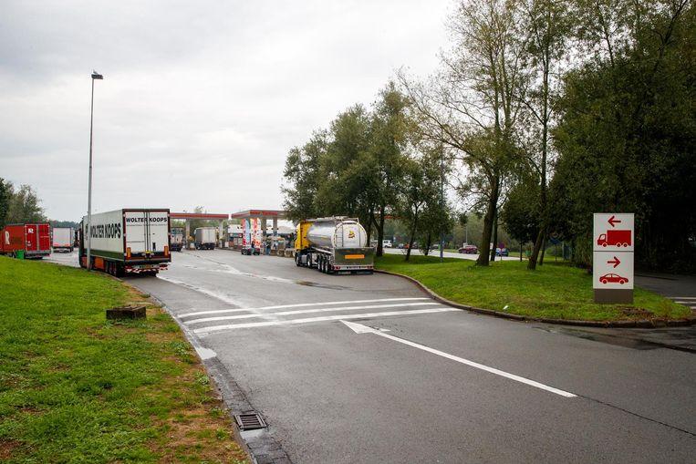 De snelwegparking in Jabbeke is al maanden een toevluchtsoord voor transmigranten.