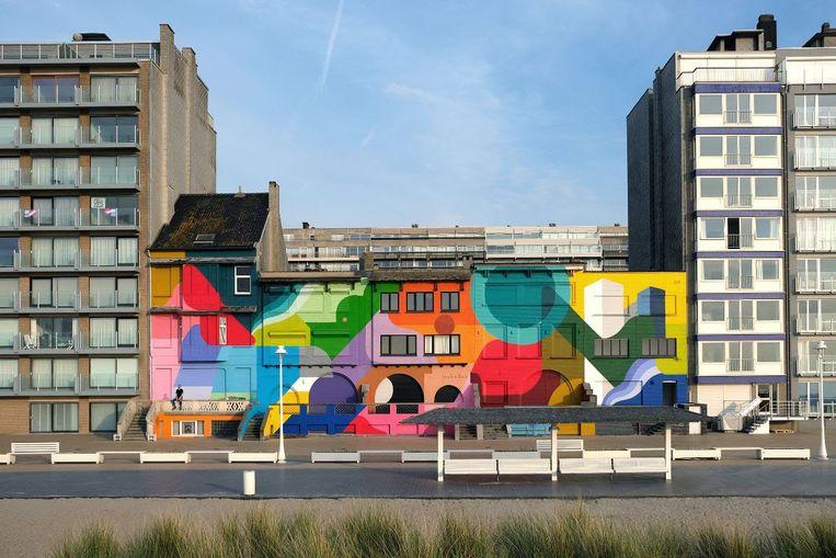 Felgekleurde gevels van Brussels kunstenaar Oli-B in Nieuwpoort.