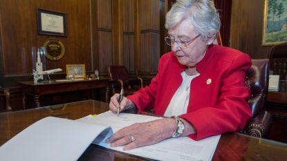 Gouverneur Alabama ondertekent strengste abortuswet van de Verenigde Staten