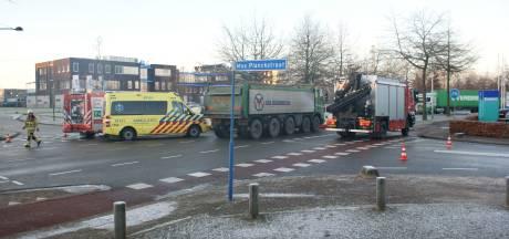 Voetganger gewond door botsing met vrachtwagen in Ede