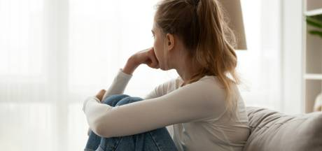 Eenzaamheid door corona: 'Laten we afspreken dat nu niemand een reden nodig heeft om te bellen'