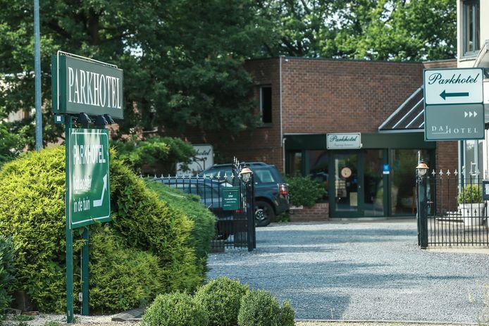 Het Parkhotel op de Genkersteenweg in Hasselt heeft afgelopen maandag de eerste 17 bewoners ontvangen.