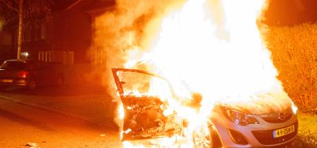 Immense autobrand in Meppel