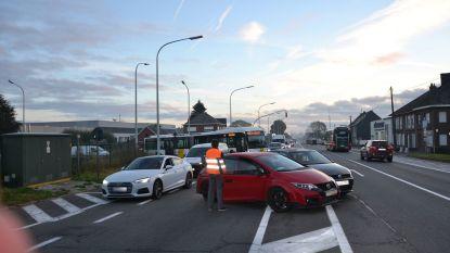 Ongevallen met blikschade verstoren ochtendspits aan E40 en op Leedsesteenweg