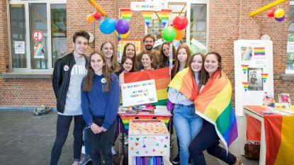Koffer ondersteunt lessen over holebi's en transgenders