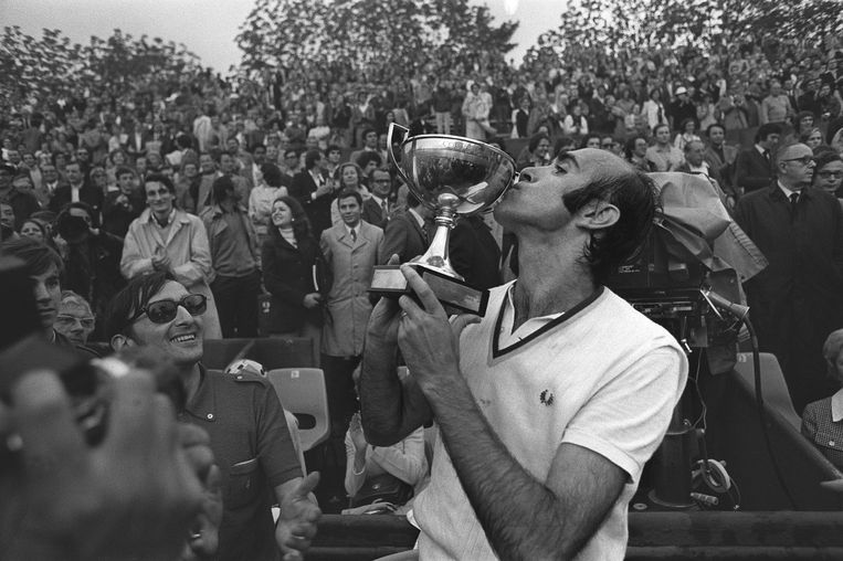 Andres Gimeno wint Roland Garros in 1972.