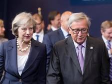 May nodigt Juncker uit voor Brexit-gesprek