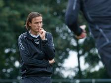 Dubbelrol Van der Sloot bij kleurrijk oefenduel TOP Oss: 'Denk je dat TOP me nodig heeft?'