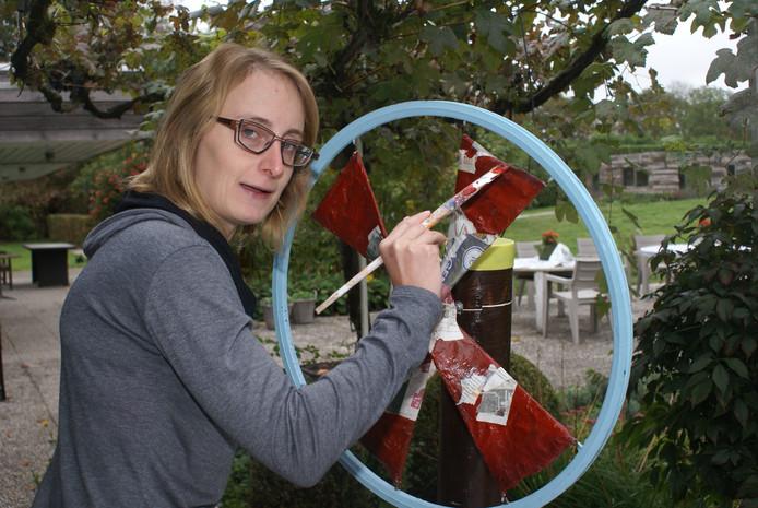 Britt Mollen exposeert samen met enkele andere kunstenaars met NAH uit Lage Mierde binnenkort in Tilburg.