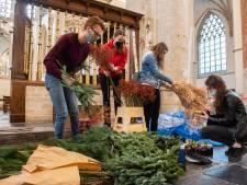 Curio-studenten zorgen voor kerstsfeer in Grote Kerk