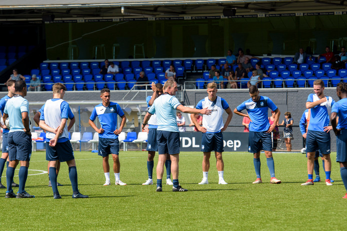 EINDHOVEN - Eerste training FC Eindhoven