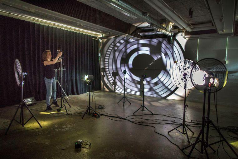 Mariska de Groot in haar atelier in 'Broedplaats Lely'. Beeld Werry Crone