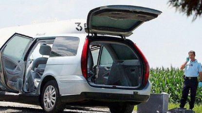 Fransman gearresteerd met lijk echtgenote in koffer en kinderen op achterbank
