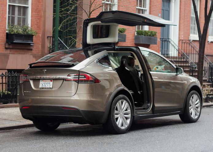 De Model X is een van de Tesla's die nieuwe software krijgt