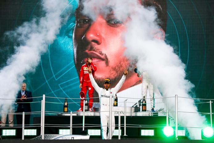 Lewis Hamilton se rapproche d'un sixième titre mondial en F1, à une longueur du record de Michael Schumacher.