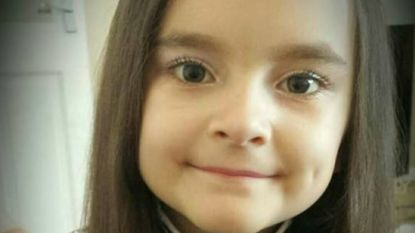 Chloe (7) heeft elke maand bloedtransfusie nodig om in leven te blijven tot ze stamceldonor vindt. En het is race tegen de klok