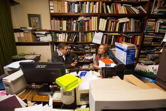 Vermeersch in zijn werkkamer bij het interview bij zijn 80ste verjaardag.