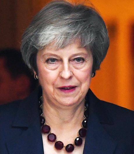 May verdedigt brexit-akkoord: 'partijgenoten kritisch'