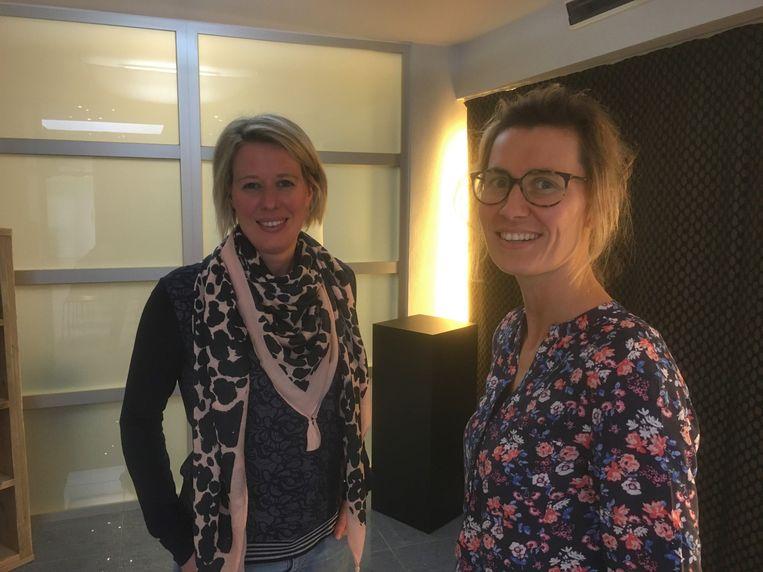 Marieke (l) en Tineke (r) Depoorter zijn vanaf maandag 18 maart te zien op Eén.