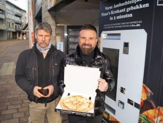 """Automatenshop in Kortrijkstraat breidt uit: """"Verse pizza in drie minuten, en kwaliteit is even goed"""""""