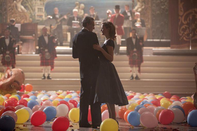 Daniel Day-Lewis en Vicky Krieps in Phantom Thread. Beeld