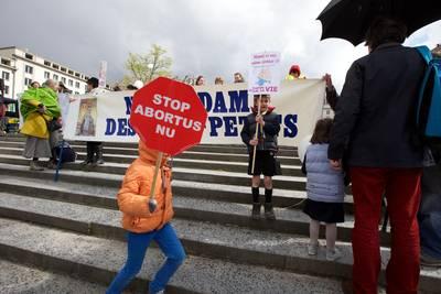 -jongeren-kritischer-op-abortus-dan-hun-ouders