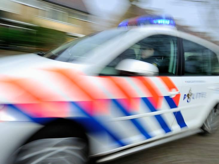 Politieauto in Helmond vernield met vermoedelijk zwaar vuurwerk