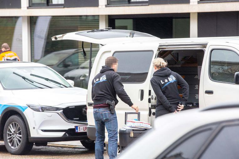 Het labo van de federale politie kwam ter plaatse voor onderzoek.