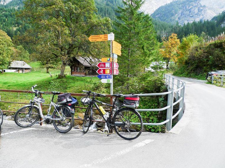 De voorste fiets is de e-bike van Flyer. Beeld null