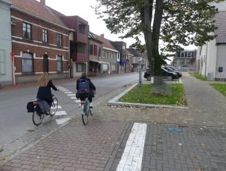 """Masterplan doortocht Landegem-Merendree loopt vertraging op: """"Steeds meer voertuigen langs onveilige fietspaden"""""""