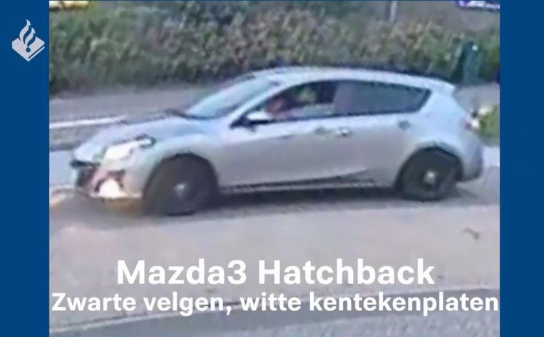 De Nederlandse politie zoekt deze auto in het onderzoek naar het doodrijden van Tamar (14).