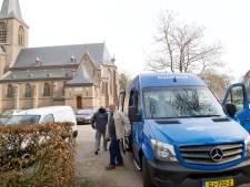 Buurtbus Vilsteren bereikt mijlpaal: mevrouw Siemons stapt als 10.000ste in