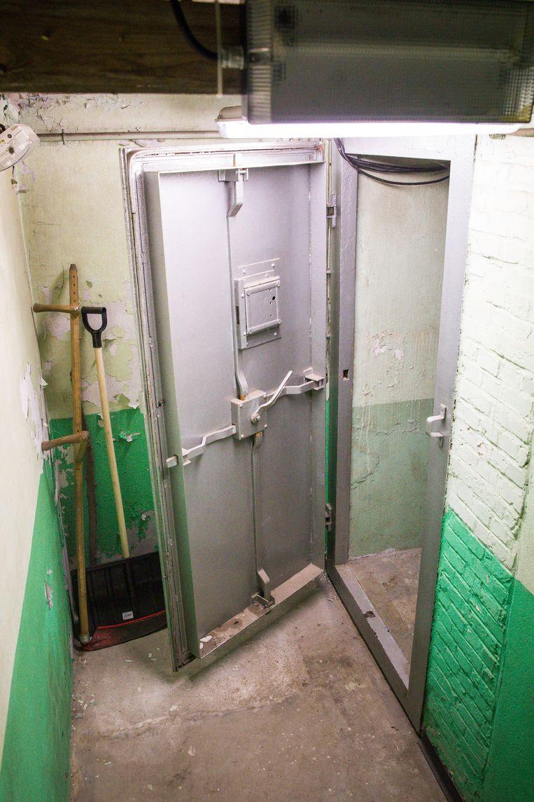 De toegang tot de bunker.