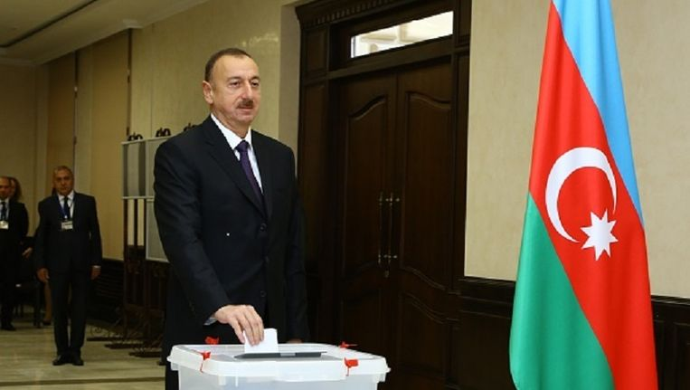 De partij van president Aliyev won de verkiezingen