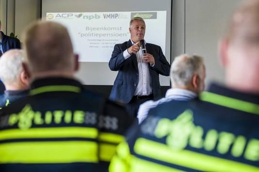 ACP-voorzitter Gerrit van de Kamp bij een werkonderbreking eerder deze week.