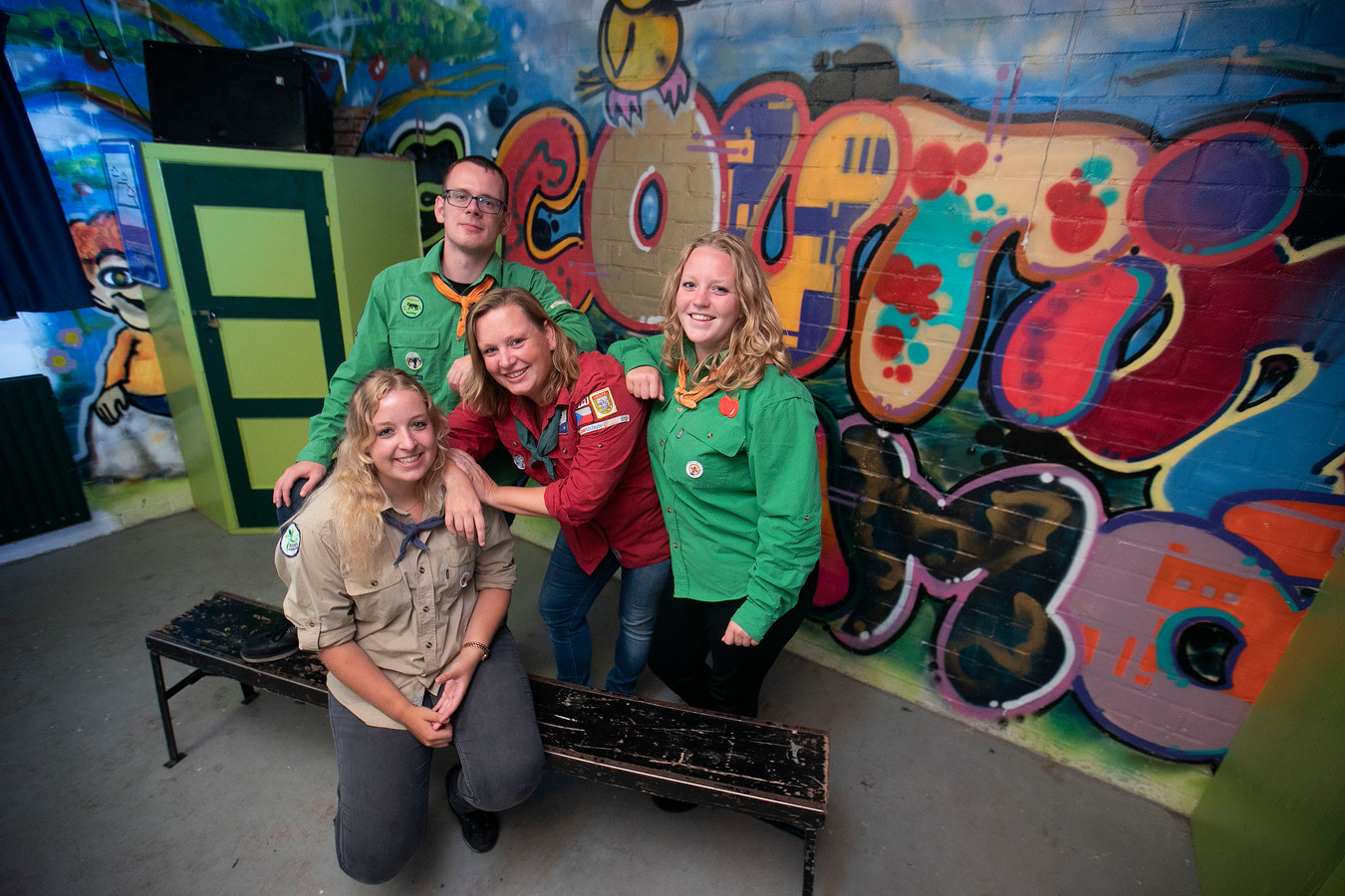 (V.l.n.r.) Kristel Hendriks, Giulio Dioguardi en Anna Appeldoorn en Tamara Meijer van scouting Frama.