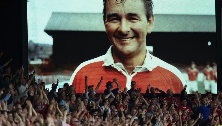 Fans herdenken trainer Brian Clough, 14 september 2014. Hij maakte Notthingham Forest twee keer kampioen van Europa Beeld null